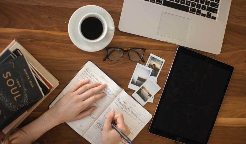 blogging-diary-1024x600